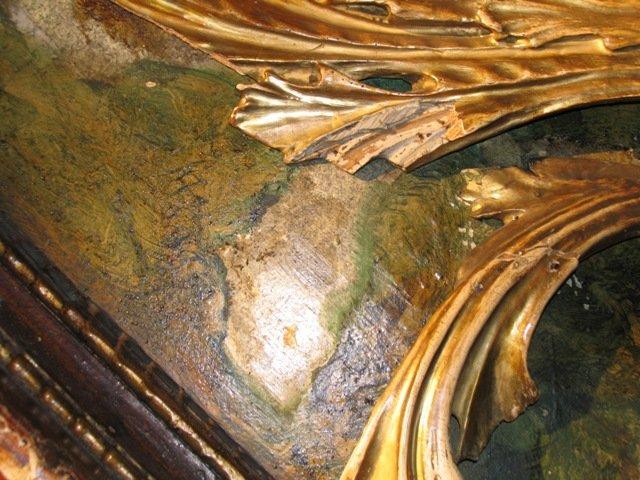 Brakujące części rzeźbionych elementów liści akantu