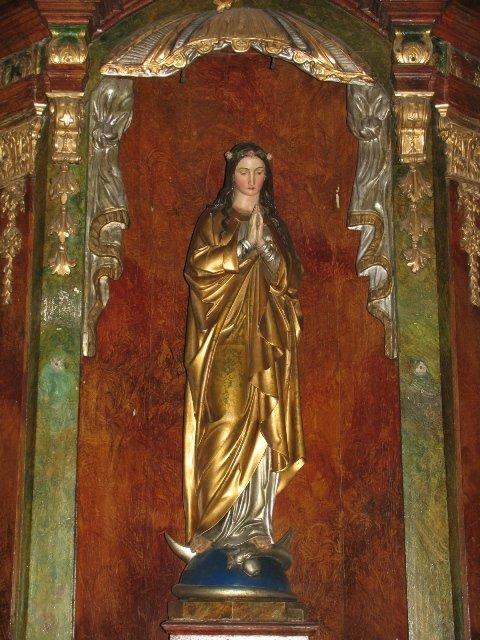 Figura Matki Bożej Niepokalanej z barokowego ołtarza /przed konserwacją/
