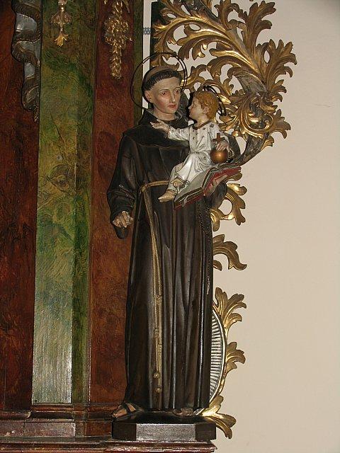 Figura św. Antoniego Padewskiego z barokowego ołtarza /przed konserwacją/