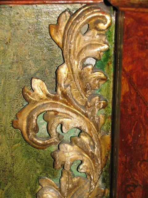 Barokowe elementy dekoracyjne /liście akantu z ubytkami/ z ołtarza Najśw. Serca Pana Jezusa /przed konserwacją/